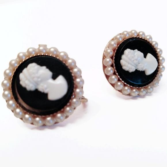 71d3ee27f cameo Jewelry | Vintage Screw Back Earrings | Poshmark